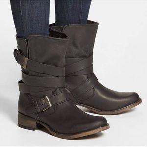 👑 Crown Vintage biker boots—preloved 👑